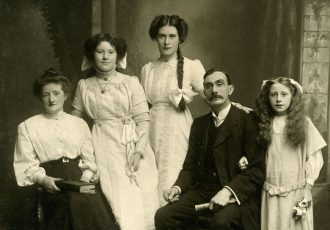 Arnold and Margaret Woodcock and family