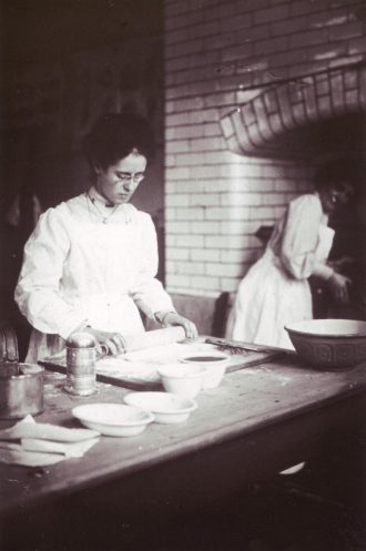A cookery lesson in 1905