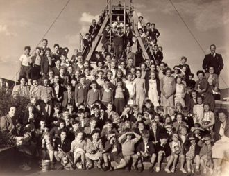 Bishopthorpe children on a day trip to Filey, 1949