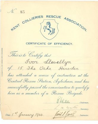 Rescue worker's certificate, 1944