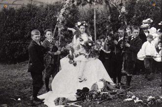 Lustleigh Mayday, 1906