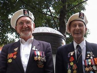 Leonard Dibb-Western and Ray Pearce - old shipmates at the Merchant Navy Memorial in Bristol, July 2003